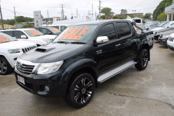 Toyota HiLux SR5 4x4 Double-Cab Pickup