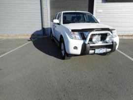 Nissan Navara ST D40 S7