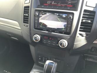 2013 MY Mitsu Pajero NW  VRX Wagon