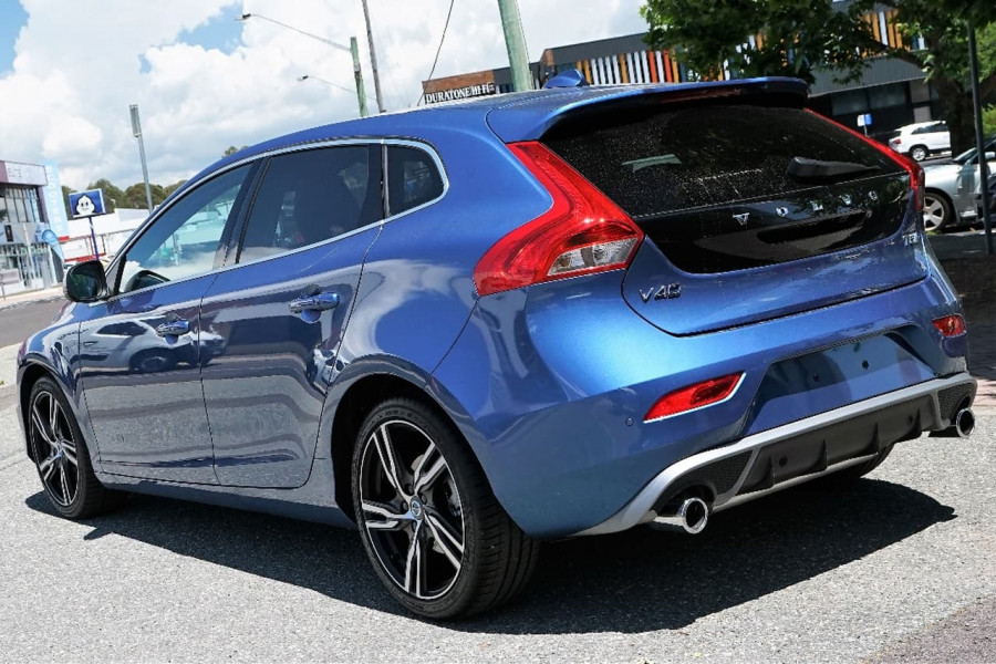 2017 MY18 Volvo V40 M Series T5 R-Design Sedan