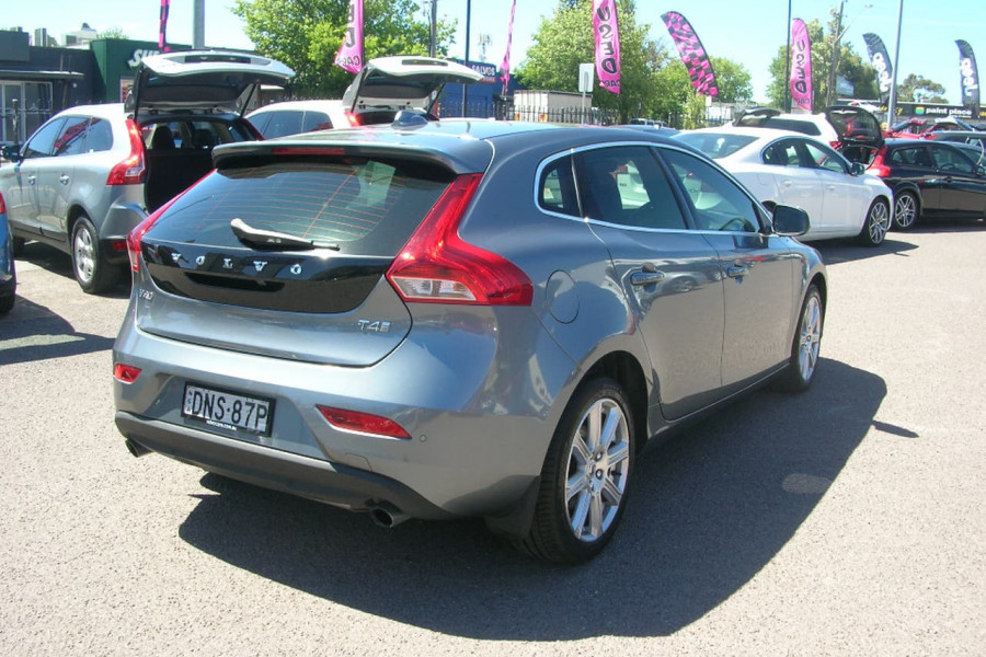 2016 MY17 Volvo V40 M Series  T4 T4 - Inscription Hatchback