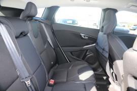 2016 Volvo V40 (No Series) MY17 T3 MOMENTUM Hatchback