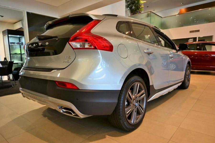 2016 Volvo V40 Cross Country M Series T5 Luxury Hatchback