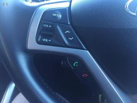 2012 Hyundai Veloster + Hatchback