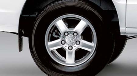 V80 Cab Chassis Alloy wheels give it a smarter look