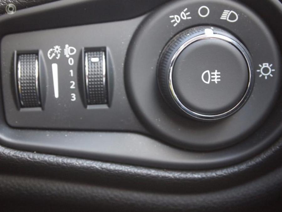 2015 MY Jeep Renegade BU Sport Hatchback