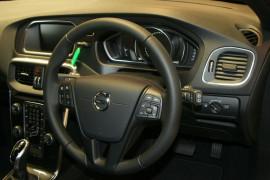 2017 MY18 Volvo V40 M Series MY18 T3 Adap Geartronic Momentum Hatchback