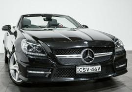 Mercedes-Benz SLK350 BlueEFFICIENCY 7G-Tronic + R172