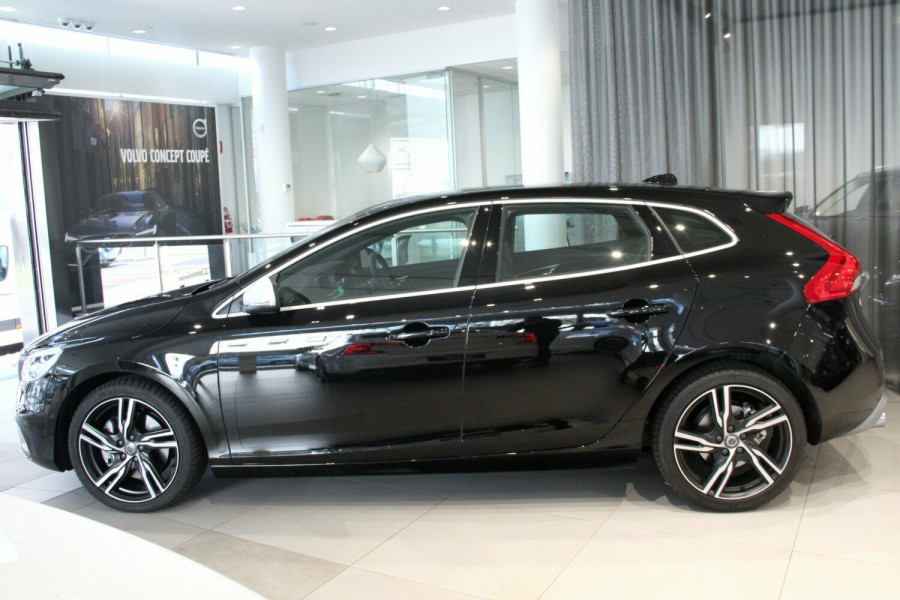 2016 MY17 Volvo V40 M Series T5 R-Design Hatchback