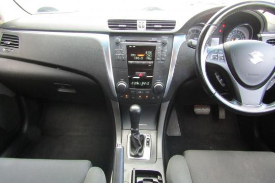 2013 Suzuki Kizashi FR MY13 TOURING Sedan