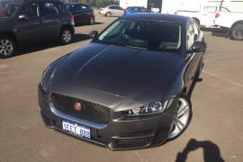 Jaguar XE Prestige X760