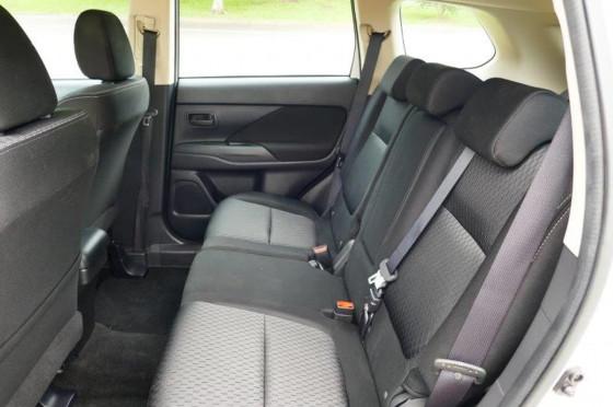 2014 MY14.5 Mitsubishi Outlander ZJ ES Wagon