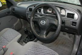 2005 Mazda Bravo B2600 DX Cab chassis
