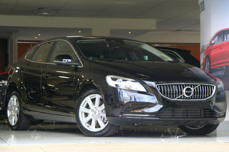 2016 MY17 Volvo V40 M Series T4 Inscription Hatchback