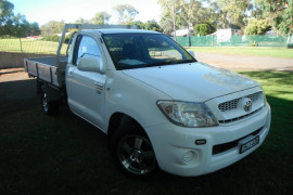 Toyota HiLux WorkMate 4x2 Single-Cab Cab-Chassis GUN Series