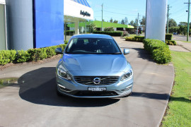 Volvo S60 T5 LUXURY (No Series) MY17