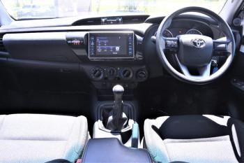 2016 Toyota HiLux GUN126R SR Cab chassis