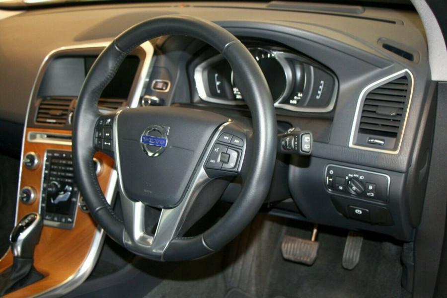 2016 MY17 Volvo XC60 DZ MY17 T5 Geartronic AWD Luxury Wagon