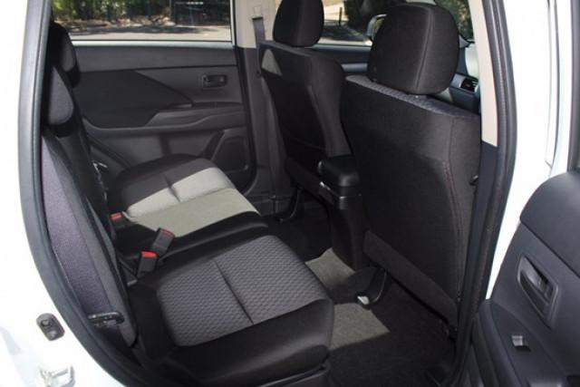 2013 Mitsubishi Outlander ZJ MY13 ES Wagon