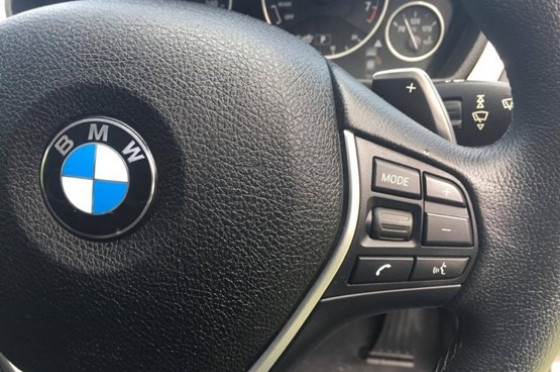 2016 BMW 320i F30 LCI Luxury Line Sedan