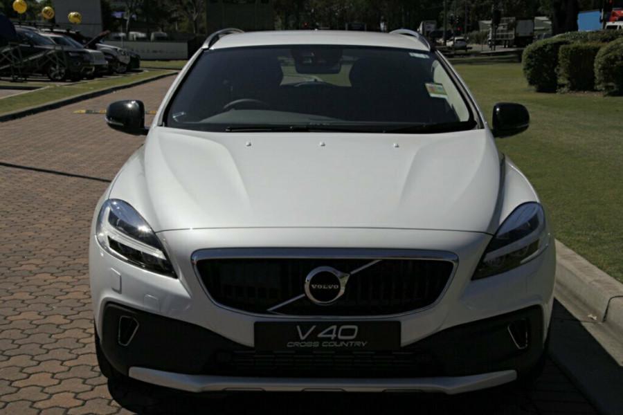 2016 MY17 Volvo V40 Cross Country M Series T5 Luxury Hatchback