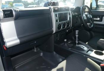 2012 Toyota FJ Cruiser GSJ15R Wagon