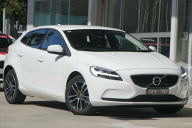 Volvo V40 D2 Adap Geartronic Momentum M Series MY17