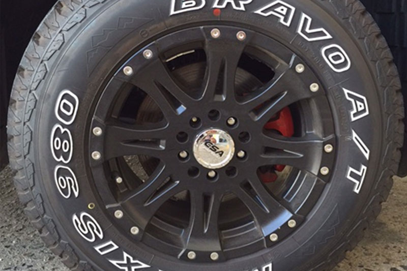 ALLOY MAGS 16X8 RAPTOR WRAPPED IN MAXXIS AT980'S 245/70R16