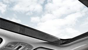 i30 Panoramic Glass Sunroof