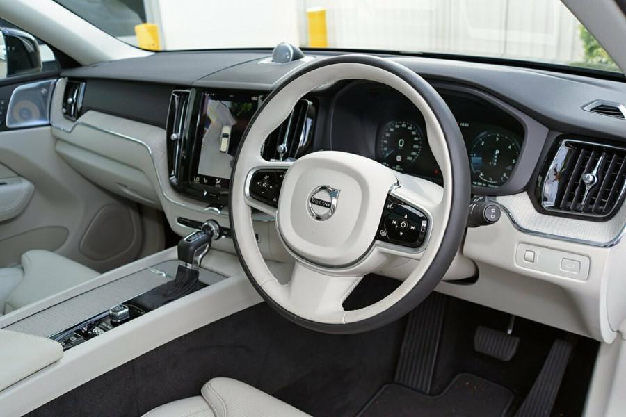 2017 MY18 Volvo XC60 UZ D4 Inscription Wagon