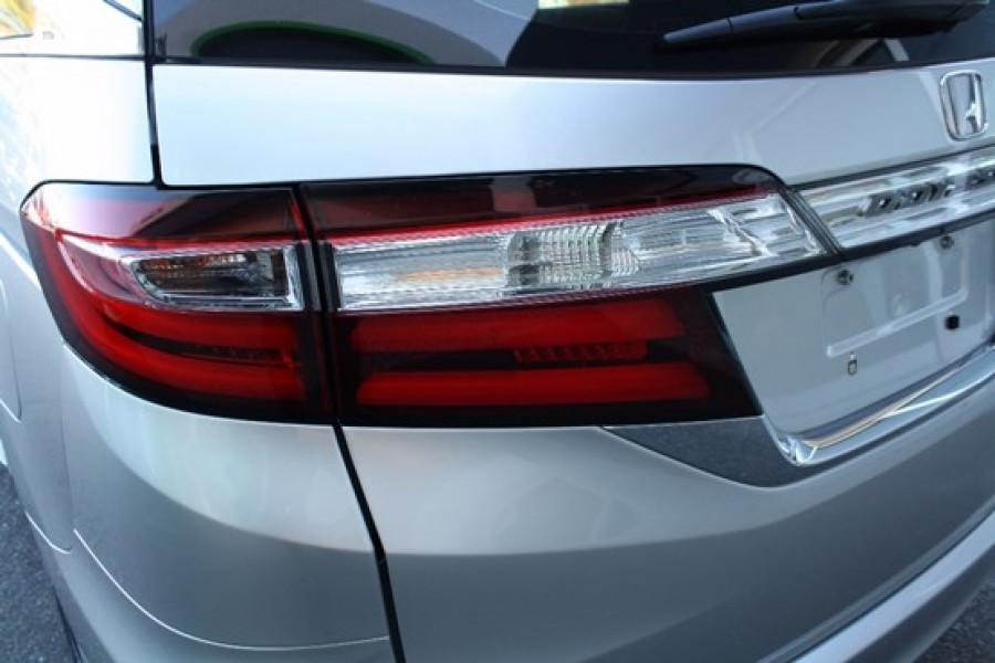 2014 Honda Odyssey 5th Gen VTi-L Wagon