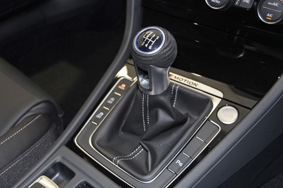 2016 Volkswagen Golf VII R Hatchback