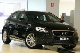 Volvo V40 Cross Country T4 Adap Geartronic AWD Momentum M Series MY17