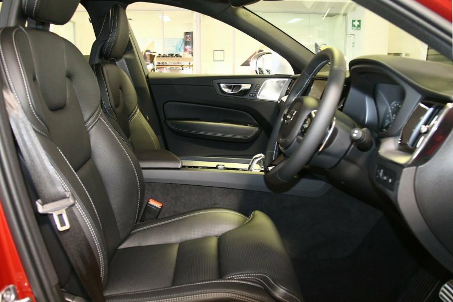 2017 MY18 Volvo XC60 UZ T8 R-Design Wagon