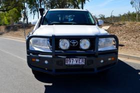 Toyota Landcruiser GXL VDJ200R