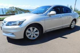 Honda Accord Luxury 8th Gen  V6