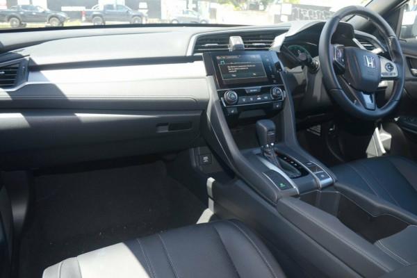 2017 Honda Civic Hatch 10th Gen VTi-LX Hatchback