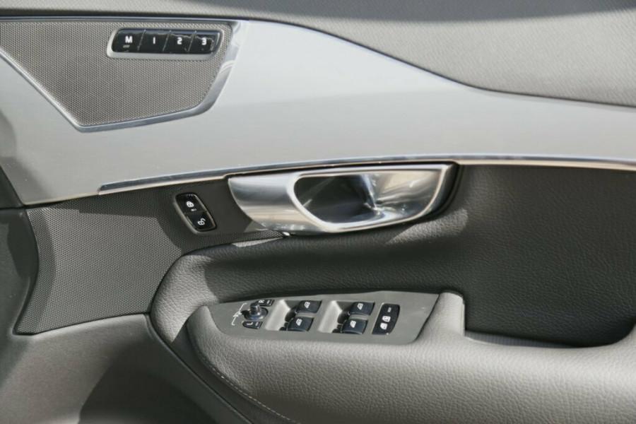 2016 MY17 Volvo XC90 L Series T6 Momentum Suv