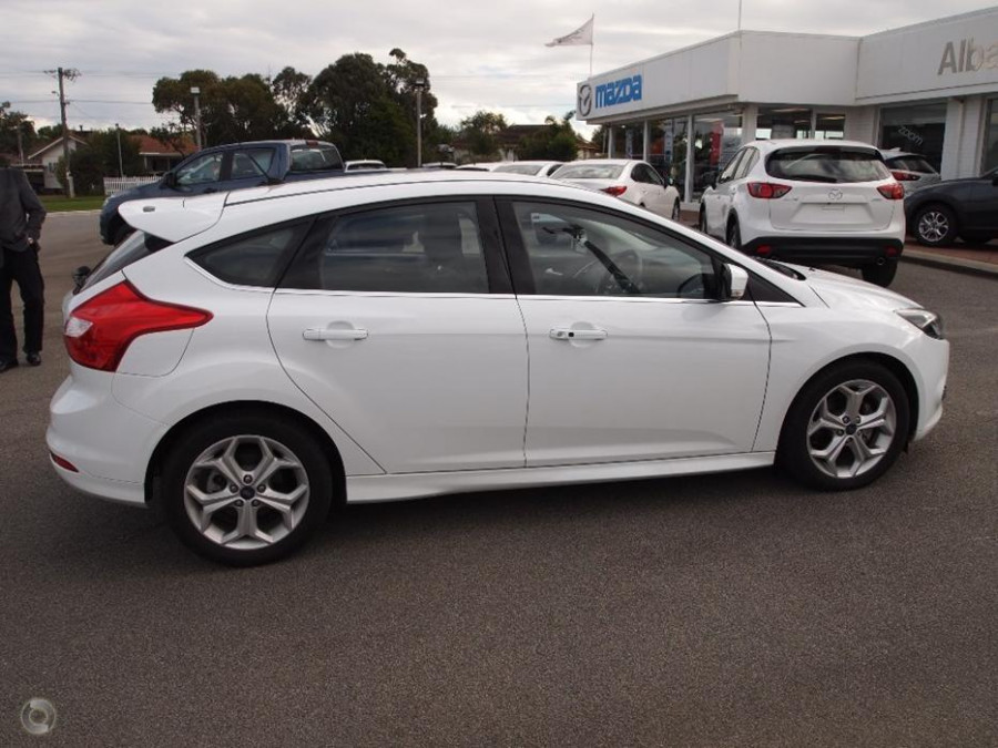 2015 MY14 Ford Focus LW MKII  Sport Hatchback