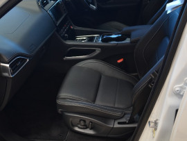 2017 Jaguar F-PACE X761 R-Sport Wagon