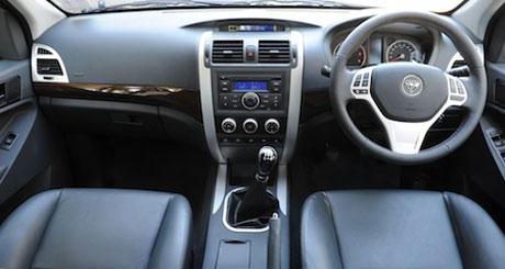 Tunland Dual Cab Interior