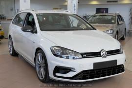 Volkswagen Golf Wagon Wolfsburg Edition 7.5