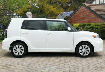 2014 Toyota Rukus AZE151R Build 1 Hatch Wagon
