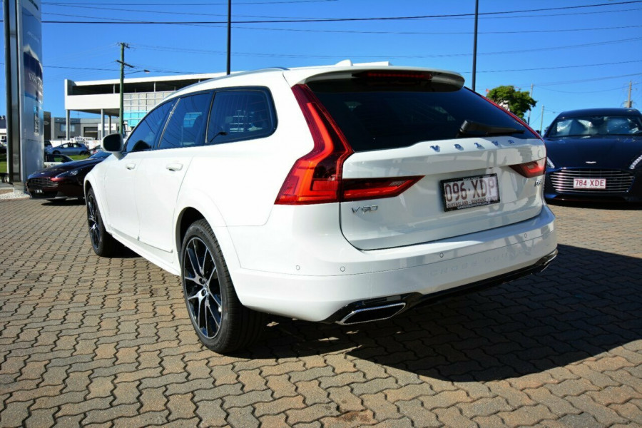 2017 MY Volvo V90 Cross Country D5 Inscription Suv