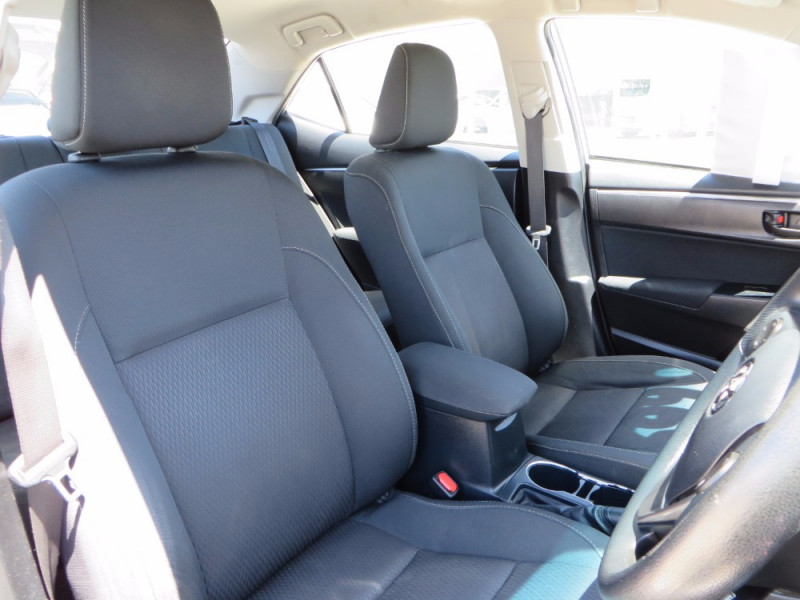 2014 MY13 Toyota Corolla ZRE Ascent Sedan Sedan