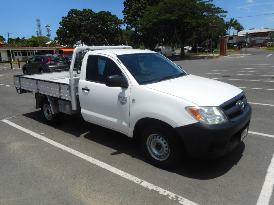 2005 Toyota HiLux TGN16R MY05 WORKMATE Cab chassis