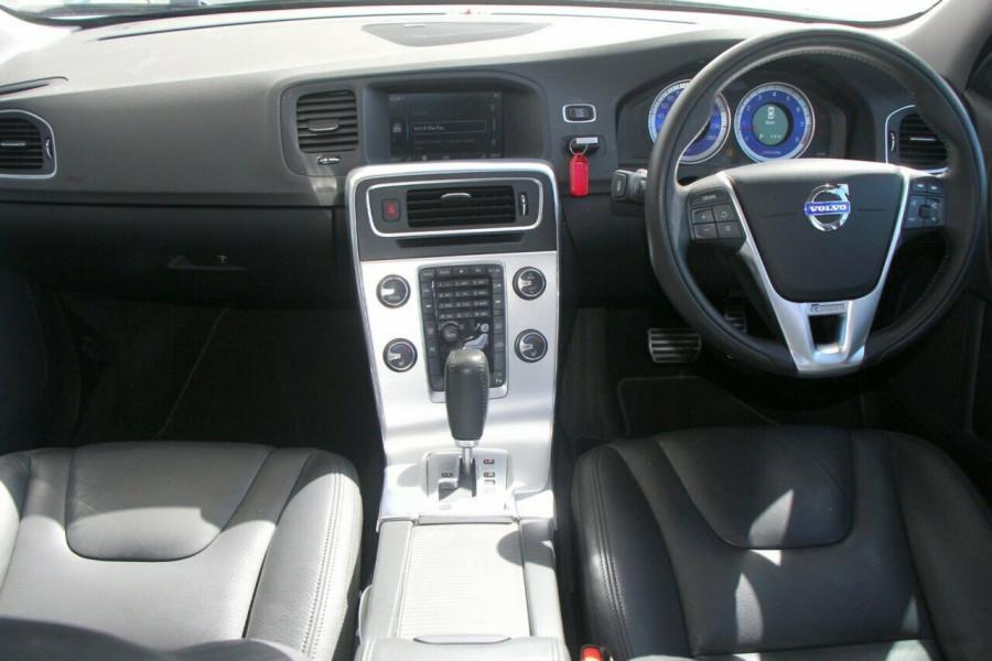 2011 Volvo S60 F Series T6 AWD R-Design Sedan