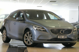 Volvo V40 T4 Adap Geartronic Inscription M Series MY17