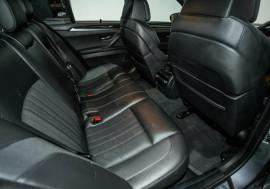 2013 MY12 BMW M5 F10 MY1112 M-DCT Sedan