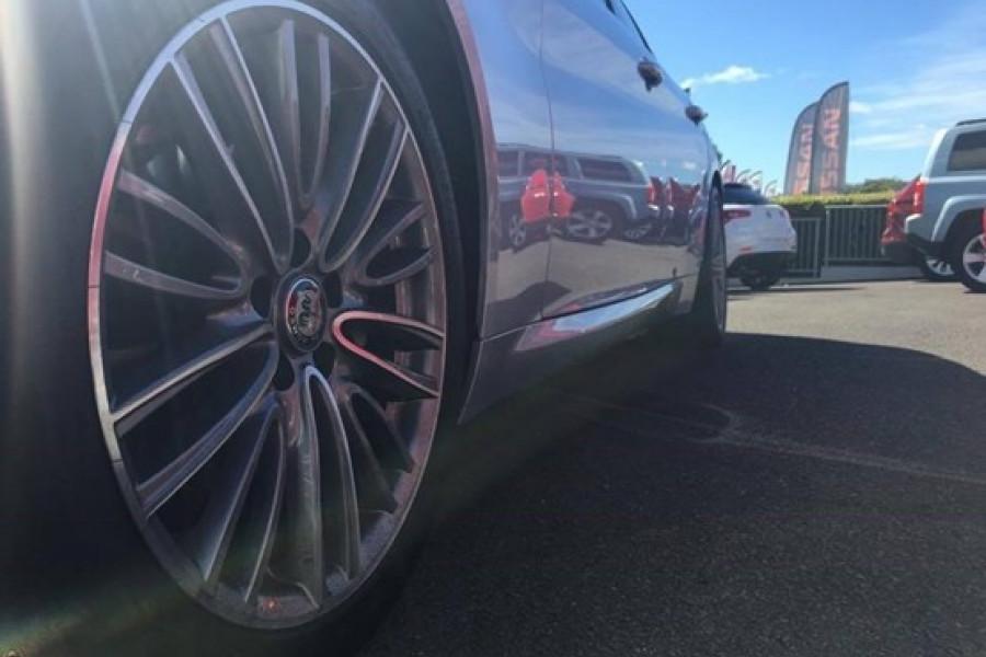 2016 MY17 Alfa Romeo Giulia Super Sedan